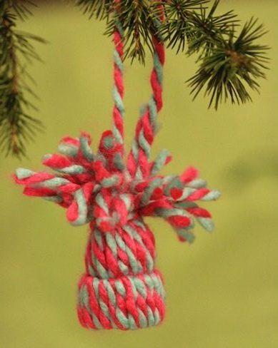 Sapin de Noël 100% récup : Une couronne avec des bouchons de bouteille plastique (14/24)