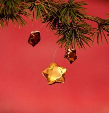 Sapin de Noël 100% récup : un paysage à partir d'une boite de camembert (20/24)