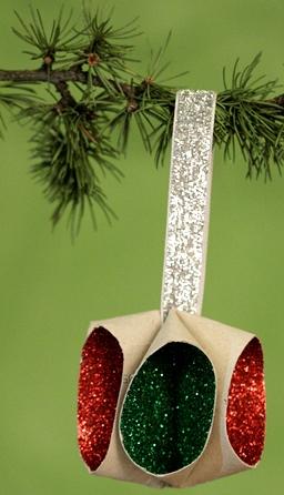 Sapin de Noël 100% récup : une ancienne clé sur votre sapin (22/24)