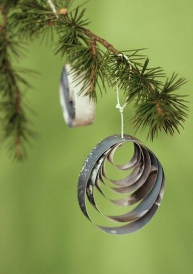 30_papier_deco_noel_diy_suspension