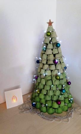 Déco minute pour les fêtes : un pot de confiture étoilé et lumineux !